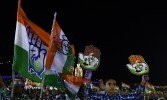 Rahul charges Jayalalithaa with not meeting people in crisis times