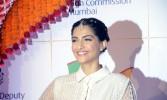 Akshay perfect person to play 'Padman': Sonam