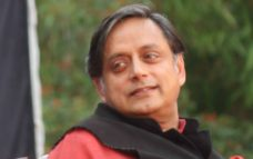 One man alone cannot deal with India's problems : Shashi Tharoor