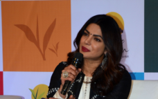 Priyanka honoured for promoting social cause online