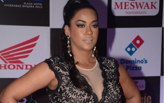 Actress Mumaith Khan appears before SIT in drug case