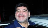 Maradona loses cool after car mobbed in Kolkata